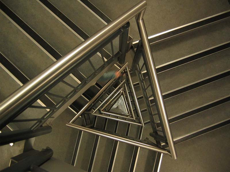 thang thoát hiểm